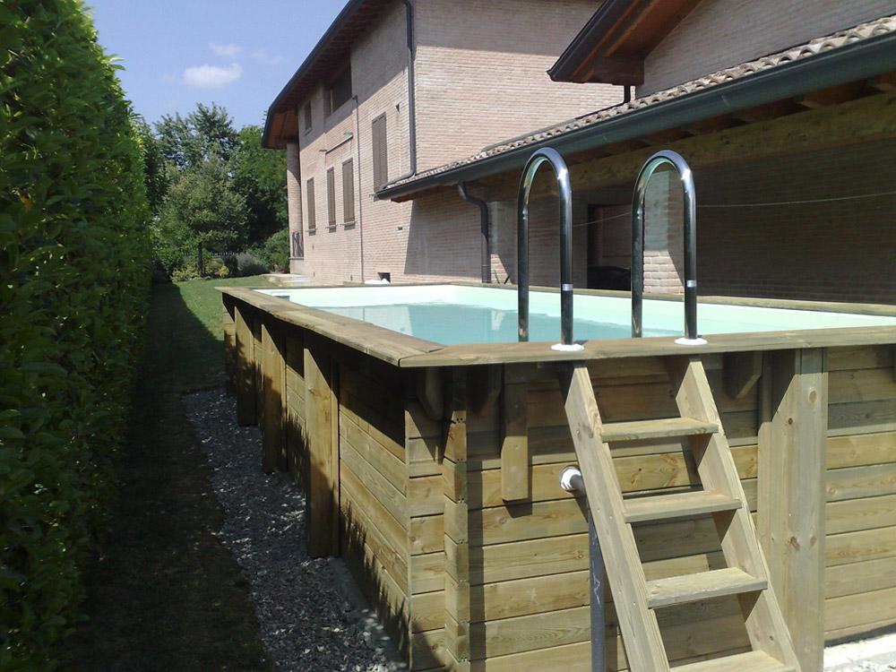 Piscine fuori terra cobel legno e piscine for Piscina vetroresina usata
