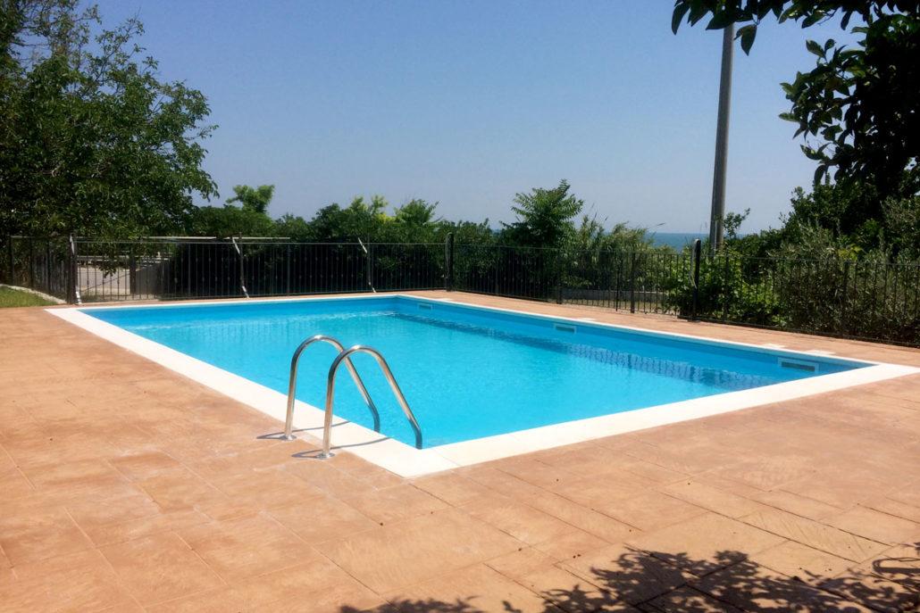 Piscine a skimmer cobel legno e piscine for Skimmer per piscine